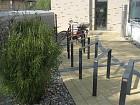 Fahrradständer hinter dem Haus