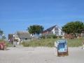 Strandeingang vor dem Haus